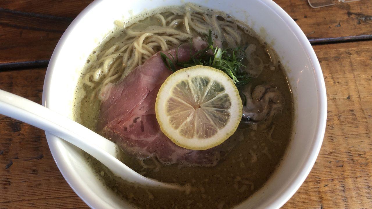 牡蠣の白湯そば